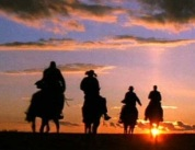 Indiana-Jones-rides-off-into-the-sunset-640x277